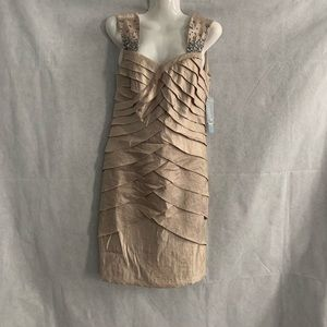 London Times Petite Gold/Tan dress size 6P